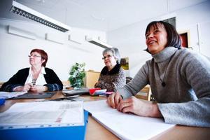 Eivor Comén, Iréne Frégelin och Karin Melin är mycket nöjda med kursen och ångrar bara att de inte börjat skriva tidigare.