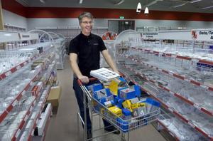 Leif Lothström var glad på måndagen, när Elektroskandia öppnade i sina nya lokaler på Skidvägen i Bollnäs.
