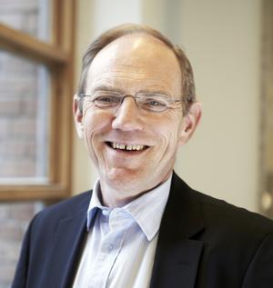 Reseavgift. ABB-chefen Sten Jakobsson konstaterar att ABB-arna flyger mycket och det är ett miljöproblem så nu startar ABB en energisparfond.