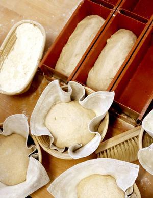 Vilken sida som läggs uppåt i jästrågen påverkar brödets slutliga utseende.