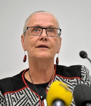 Rose-Marie Frebran till Kopparberg. För att inviga byggnadsminnesskyddet på tingshuset.