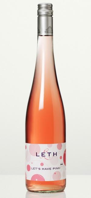 Somrig rosé. Leth's Have Pink är ett riktigt trevligt rosévin med vitala toner av röda bär och mineraler i en mycket aptitretande stil. Gott som aperitif och till sallader och lättare fisk- eller kycklingrätter.