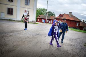 Att fly en lång och farlig väg med små barn var fruktansvärt, säger mamma Ghader Nema.