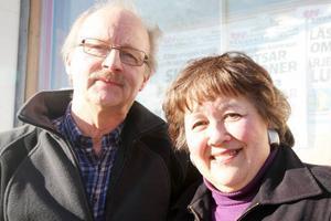 Jazzälskarna Osvald Jernström och Birgitta Bergström fixar jazz till Glöte.
