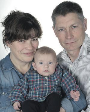 Sylvia Hagberg och Jan-Olof Berg från Djurås fick den 4 november en son som heter Evert. Han var 51 cm lång och vägde 4 200 gram.