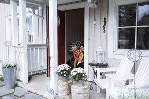 På Åsvägen bor familjen Dalberg Sundberg.