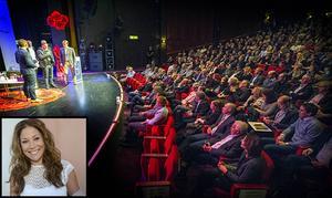 Konferencier under Guldgalan är Tilde de Paula som är en av programledarna för Nyhetsmorgon i TV4 och som också debuterade som författare nu under hösten.