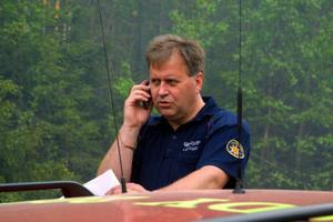 Räddningschef Lars Nyman hoppas att Räddningsverket skjuter till pengar för skogsbrandbekämpningen under helgen. Omkring 500 000 kronor kommer kostnaden hamna på för kommunen beräknar han.