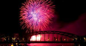 Fyrverkerikvällen i Köln är en av många temafester man nu kan uppleva i Europa.