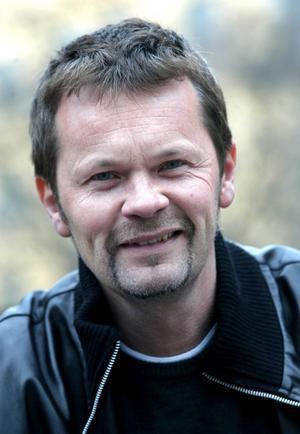 Anders Glennmark ska sjunga Benny Anderssons låtar i Gävle Konserthus.    Foto: Jack Mikrut/TT