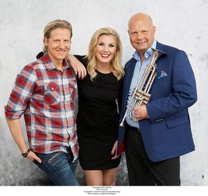 Trio på XXXL-turné i juletid. Marcos Ubeda, Elisa Lindström och Magnus Johansson.