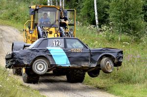 Traktorn fick hålla igång.