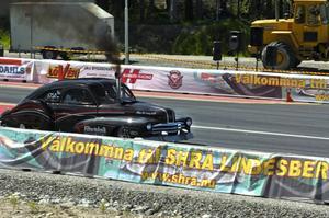 Rökare. Det går att få rolig fart på en dieseldriven Cummings gjutjärnsklump, som normalt sitter i arbetsmaskiner, med bland annat en duktig turbo. Det visade ekipaget som tävlade för SHRA Karlstad.