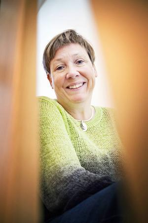Eva Magnusson trodde på skogen och började experimentera med gran i matlagningen. Det slutade lyckat och nu driver hon företaget Skogens Sköna Gröna där Gran Zirup är hennes specialité.
