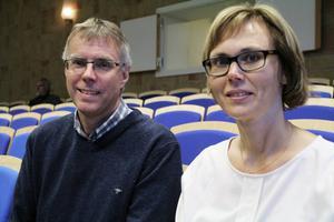 Torsten Persson och Susann Lundman från Bergvik skog stod för informationen till kommunfullmäktige.