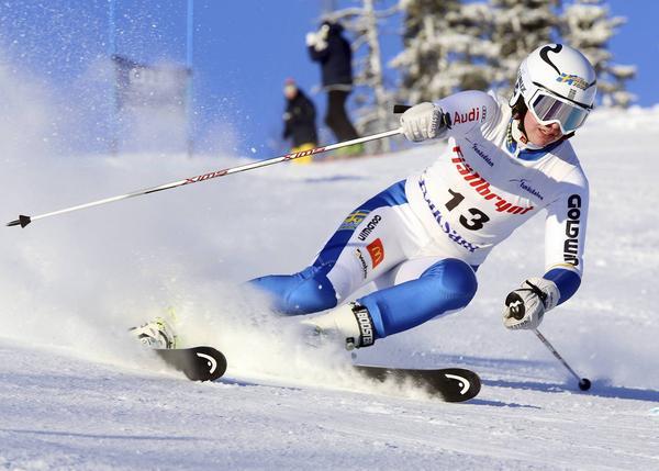 FIS-tävlingar Funäsdalen, Vera Fermbäck, Vemdalen alpina