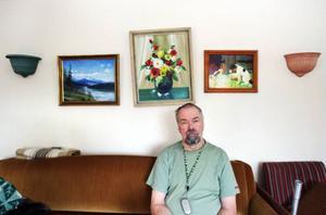 – Jag hör hit på nåt sätt. Det är ett bra ställe att bo på när man gillar naturen, säger Johnny Andersson om att bo i Åkersjön.