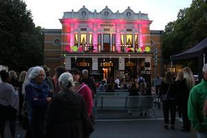 Balkongfesten när det begav sig. Bild: Simon Ridell
