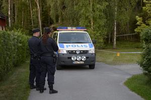 Efter att mannen blivit skjuten av polis kallades flera patruller till platsen.