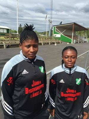 Azume Adams och Juliet Acheampong