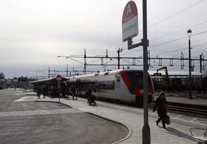 Många väntade på X-tåget mot Gävle.