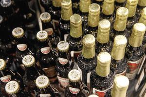 Det är inte lätt för den som vill konsumera andra alkoholhaltiga drycker än dem som finns i Systembolagets utbud.