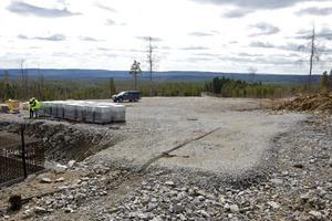 Idag ser vyn in mot Faluns del av parken ut så här, om ett år står där 25 vindkraftverk.