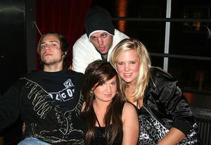 Rock&K Baren. Mac-10, Emma, Sofia och Peo