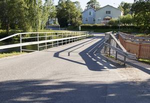 Trafikverket vill bygga om bron som går över Delångersån i Näsviken.