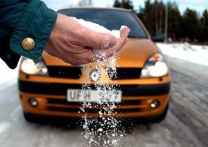 Erik Rombo från Tulleråsen kan inte förstå hur man kan försvara vägsaltet.
