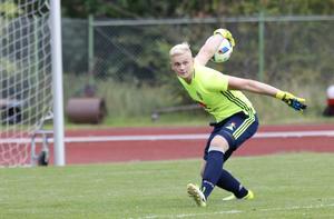 Simon Gustafsson höll nollan i sin allra första landskamp.