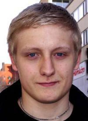 Niklas Norberg, 19 år, Hede:– Nej, ingenting alls. Jag har inget behov av det direkt. Känner jag att jag behöver bli piggare så rör jag på mig.