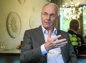 """Efter fyra spännande år i Kina är Sven-Göran Eriksson tillbaka i 1800-talsherrgården utanför Sunne. Vid 70 är """"Svennis"""" fortfarande öppen för nya uppdrag i fotbollens tjänst."""