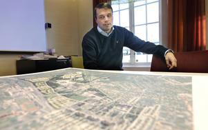 Östersundshems nye vd Daniel Kindberg vill köpa in mark på Stadsdel Norr för över 100 miljoner kronor.