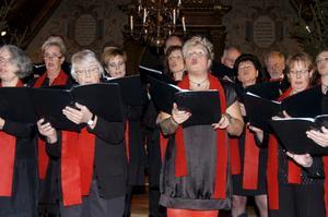 Två körgrupper. Hörkens och Ljusnarsbergs kyrkokörer tog ton tillsammans.