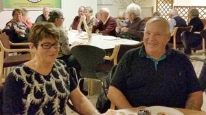 Doris och Sven-Eric Nyberg trivdes på årets pubafton.