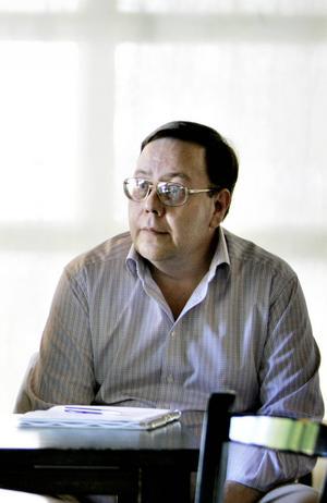 Kurt Nylander, Folkteaterns chef sedan 2006, har hastigt gått bort.