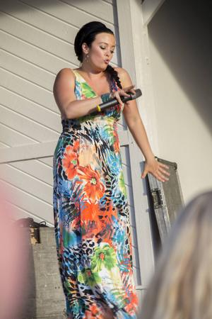 Jamina Jansson uppträdde också med en låt innan huvudakten gick på.