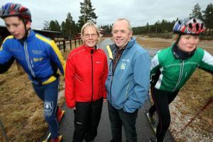 Monica och Robert Bergman ska se till så att draghundslandslaget blir vassare i vinter. Foto: Håkan Degselius