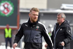 Mittbacken Michael Almebäck är tillbaka i ÖSK-truppen i lördagens möte med Östersund.