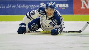 Tommi Paakkolanvaara är tillbaka på is men har fortfarande en bit kvar innan han är redo för match.