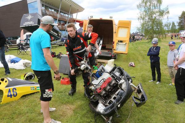 Snabbt töms motorn på vatten Andreas Öst kommer till b-final som han vinner