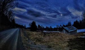 November: Bränna en månskenskväll.