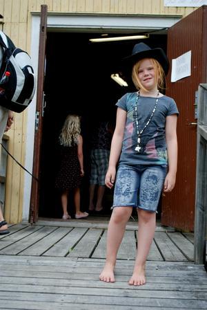 Sofie Enberg var tuff i sin cowboyhatt. Foto: Lina Svalbro