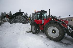 Ibland är det populärt att skotta snö.
