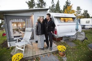 Kicki och Kaj Stefanius blev ett par när de var femton år. Men sedan skildes deras vägar åt i många år.