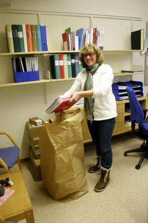I flyttagen. Agneta Thörnqvist, S, städar ur sitt kommunalrådsrum i stadshuset.