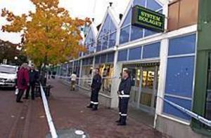 Foto: Joey Abraityte/Ljusnan/SCANPIX Rån i Söderhamn. Polisen jagar nu Lars-Inge Svartenbrandt, som är misstänkt för rånet mot systembolaget i Söderhamn på måndagen.