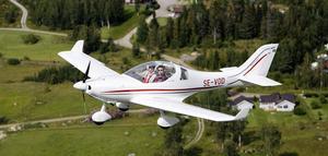 WT 9 Dynamic rör sig smidigt i luften och är otroligt lätt att flyga.