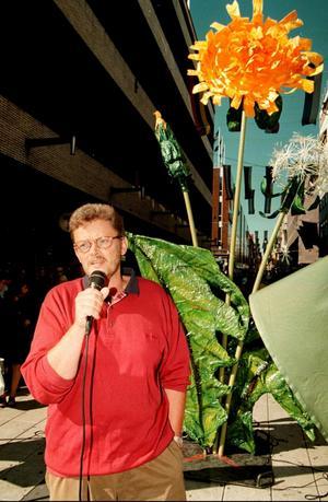 Det var då. När Miljöpartiet (här representerat av Birger Schlaug) först såg ut att ha en chans att komma in i riksdagen 1988 började de etablerade partierna att tala mer om miljön. FOTO: SCANPIX